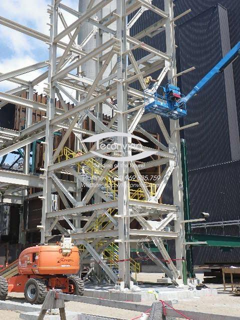 TECONVINA lắp dựng kết cấu thép thang thoát hiểm nhà cao tầng